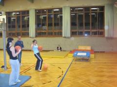 Sport im Turnsaal 10